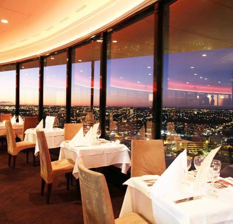 semplice e raffinato arredamento - picture of c restaurant, perth ... - Arredamento C