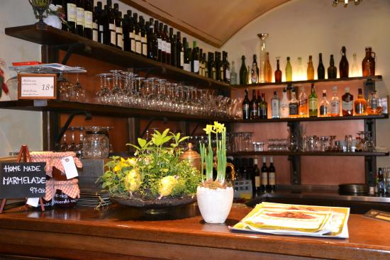 Residence U Cerneho Orla: Restaurant at Easter
