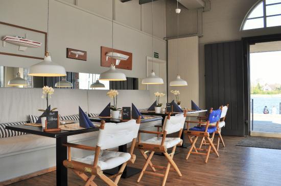 Restaurant Pierspeicher: Restaurant mit Blick auf die Schlei und den Hafen