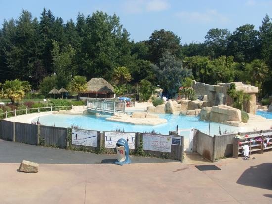 Les Ormes, Domaine & Resort: Piscine camping