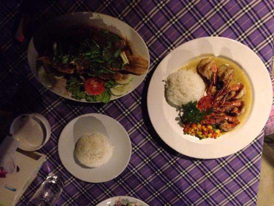 Crystal Restaurant: The BEST red snapper you'll ever have and amazing garlic prawns!