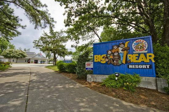 Big Bear Resort: Have a Big Time at Big Bear Kentucky Lake