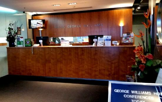 George Williams Hotel: reception desk