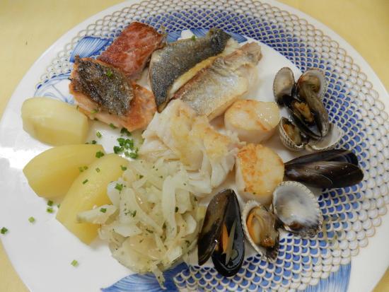 Restaurant Auberge de Vandoeuvres: Le panaché de poissons de mer à la plancha