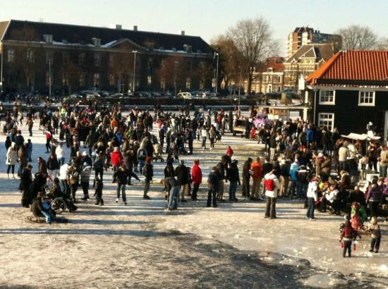 Restaurant Zuidam : Enjoy Ice Skating