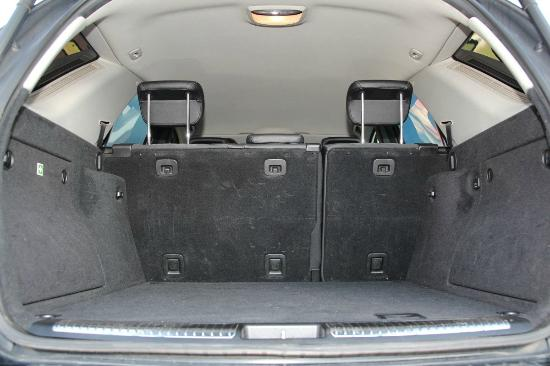 Martin's Prague Taxi & Transfers: Luggage compartment ML Mercedes