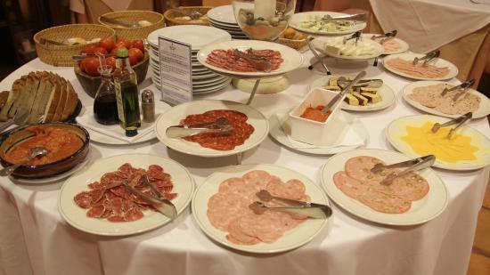 URH Vila de Tossa: Buffet de desayuno