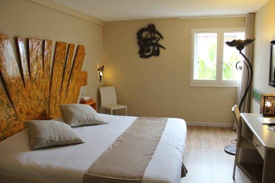 Chambre King Size - Picture of Hotel Les Grenadines, Cap-d\'Agde ...