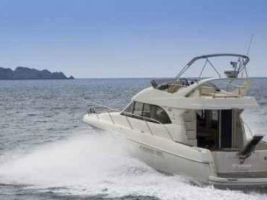 Dubrovnik Exclusive Transfers Rentals: Dubrovnik boat tour