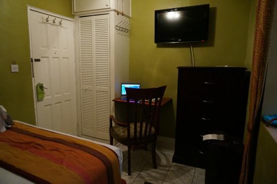Narakiel's Inn: Bedroom