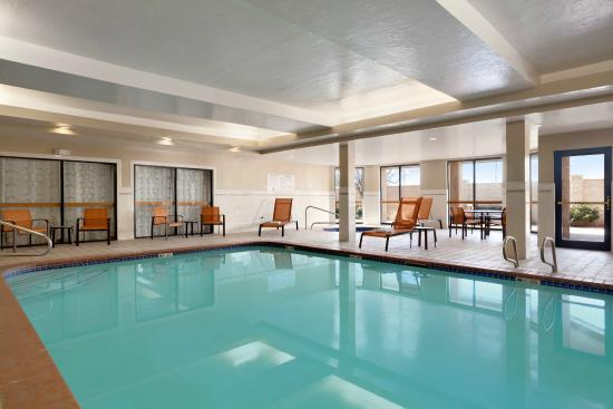 Courtyard by Marriott Salt Lake City Layton: Pool & Hot Tub Area