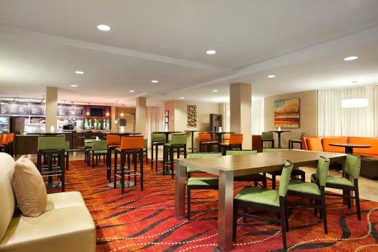Courtyard by Marriott Salt Lake City Layton: Lobby & Bistro