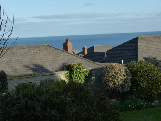 Glenorney by the Sea: Bei geöffnetem Fenster