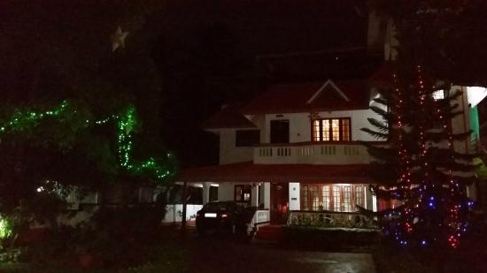 Colonel's Homestay: At Night