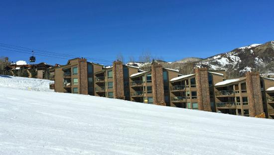 The Enclave: Assay Hill Slope-side/Elk Camp Gondola