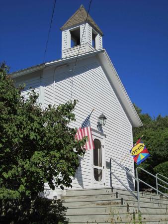 Ephraim Historical Foundation: The Pioneer Schoolhouse Musueum.
