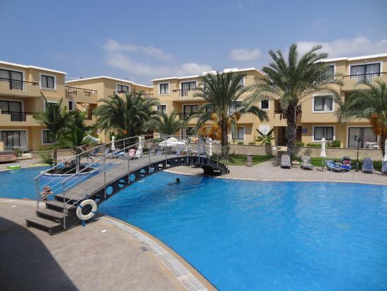 Pagona Hotel Apartments: La piscine