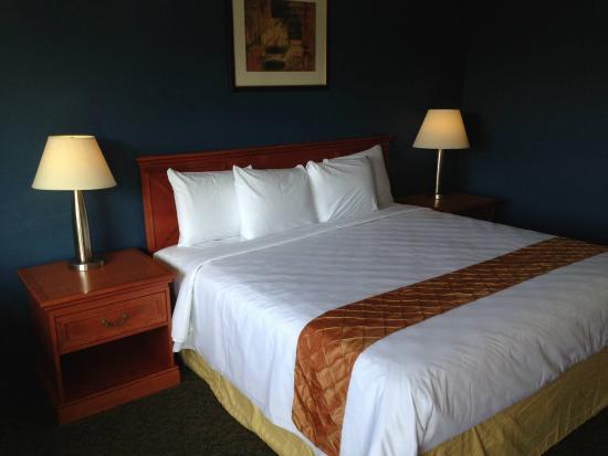 Cascades Inn