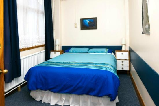 Rawhiti Backpackers : Rm 2 is a double room with afternoon sun.