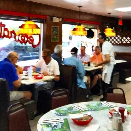 Andrews Diner : Inside