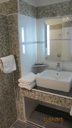 Hotel Kanaoa Les Saintes: sdb