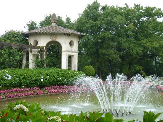 Jardin à la française de la Villa Arnaga : la folie
