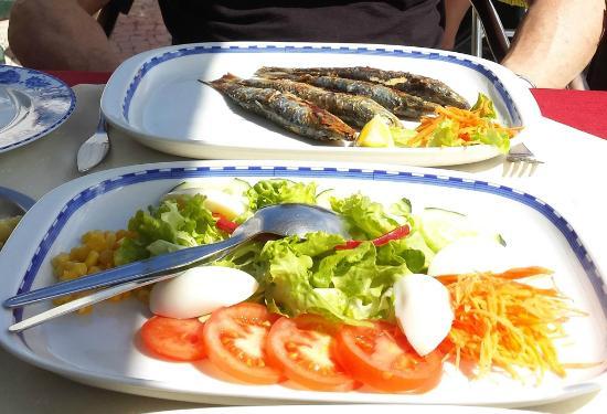 Restaurante Mar Azul : Grilled Sardines and Salad