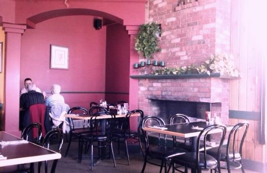 Daddyo's Pizza & Ribs: restaurant interior