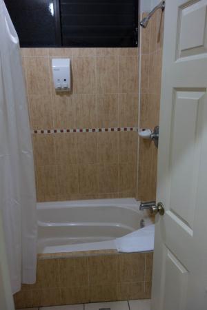 Hostal de Santa Maria: Shower