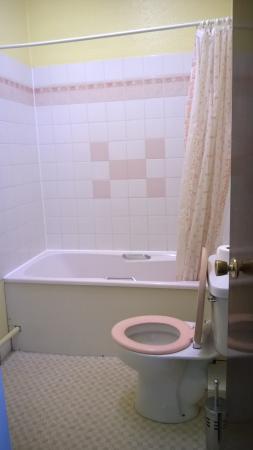 Abbey Court Hotel : bathroom