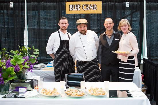"Blue Crab Seafood House: Culinaire 2015 - photo by ""The Best Men Wedding Photography"""