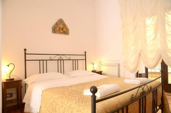 Bed and Breakfast L'Antica Via: Camera matrimoniale