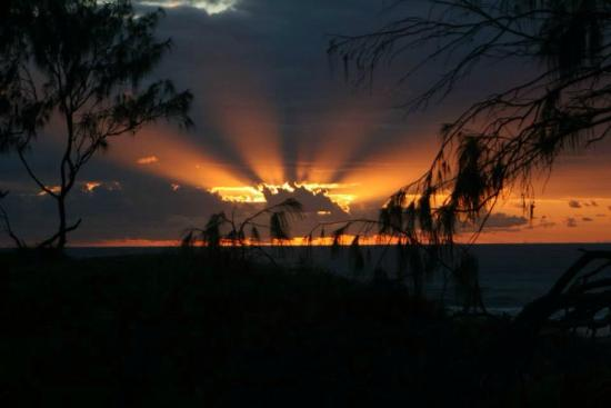 Noosa North Shore Beach Campground: Sunrise