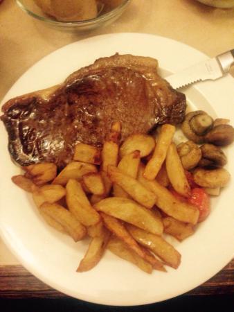 The Station Inn: Steak and chips Mmm