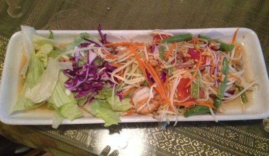 Ayothaya thai cafe asian restaurant 404 e state for Ayothaya thai cuisine