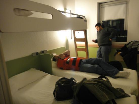 Hotel Ibis Budget Vila Nova De Gaia: quarto