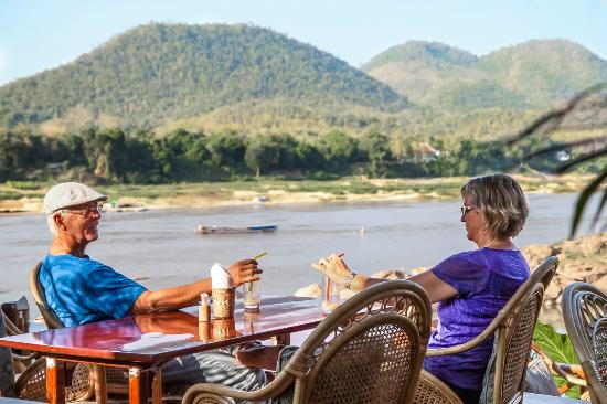 Mekong Riverview Hotel: Viewpoint Cafe daytime