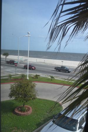 Motel 6 Biloxi Beach: View from my room showing how close hotel is to the beach.