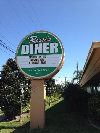 Rossi's Diner: Sign at the front