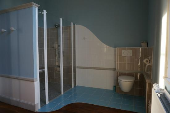 bathroom picture of chateau de bonnemare radepont tripadvisor. Black Bedroom Furniture Sets. Home Design Ideas