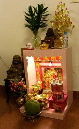 Madam Cuc 127: Altar in reception area: welcome!