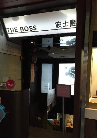 Photo of Clothing Store COS at 74 Queen's Rd C, Central, Hong Kong