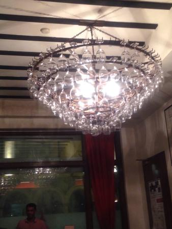 Le Bistrot du Sommelier : The chandelier made up of wine glasses.