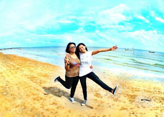 Sampang, Indonezja: pantainya agak kotor sih, karna ada kilang minyak didekatnya. dsni kalian bs nemuin ubur-ubur...