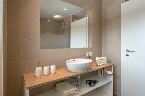Hotel Loy: Badezimmer Suite Gumpeneck