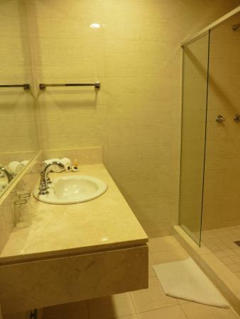 Hotel Principe & Suites: baño