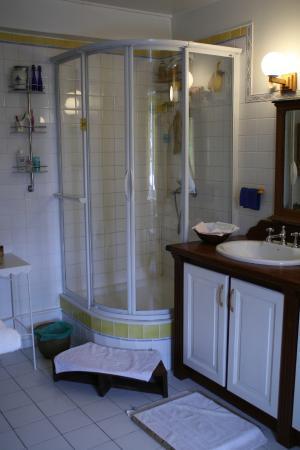 Les Charrieres: salle de bains suite PIano