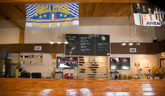 Fratelli's Pizza Bistro and Ice Creamery : Kitchen