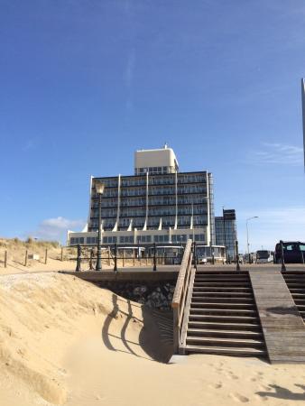 Het Carlton Beach Hotel