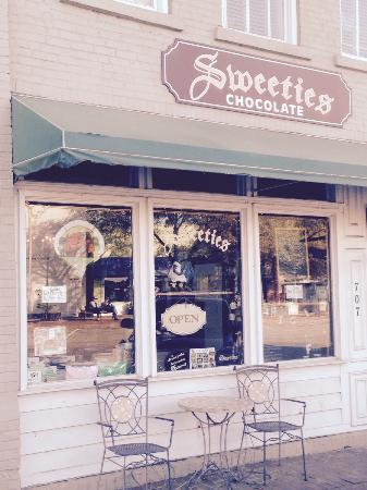 Sweetie's Sweets Pralines Toffee Homemade Ice Cream : Sweeties (4/1/2015)